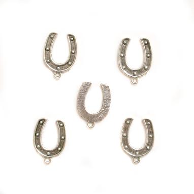 5x Horseshoe Charms
