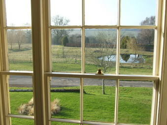 DSCF5560-1 G room view