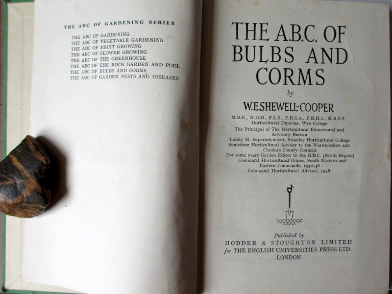 Shewell-Cooper, W.E., The A.B.C. of Bulbs and Corms, H & S Ltd., 1948. 1st Edition.