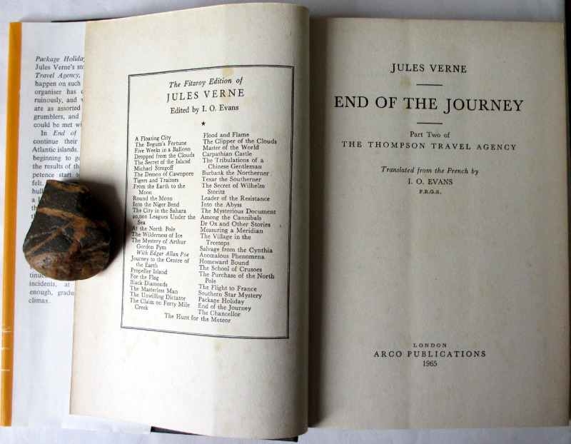 End of the Journey by Jules Verne, published by Arco Publications 1965. Title page and facing pp.