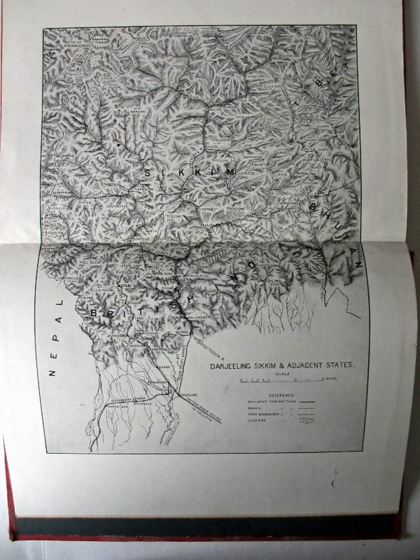 Darjeeling. Double page map.