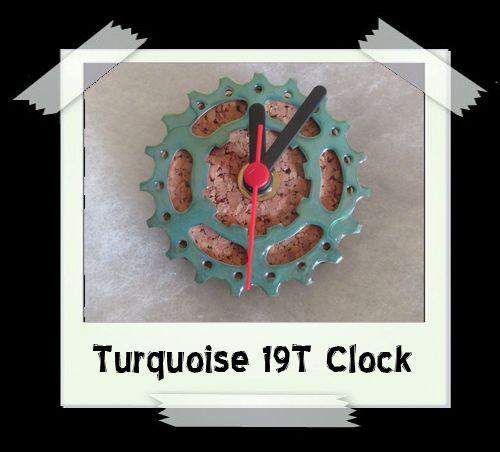 Turquoise 19T Clock