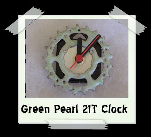 Green Pearl 21T Clock