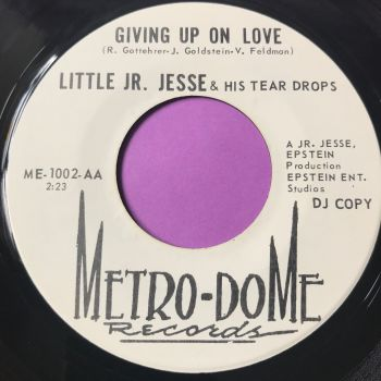 Little JR Jessie-Giving up on love-Metro-dome E+