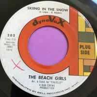 Beach Girls-Skiing in the snow-Dynavoice E