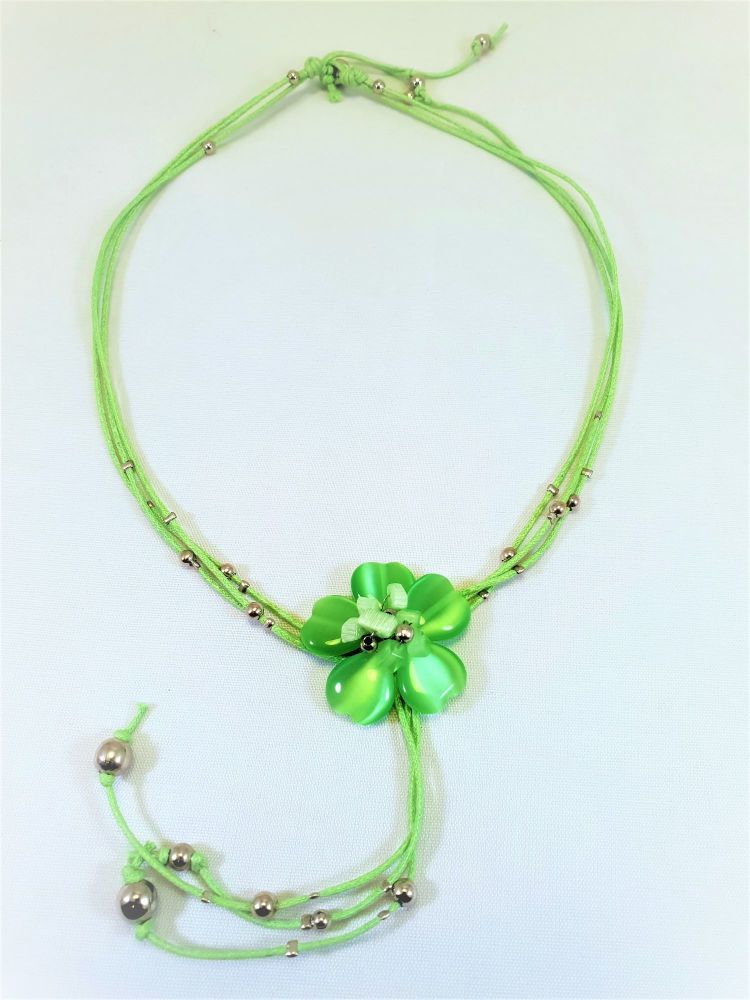 MIA GREEN FLOWER: NECKLACE