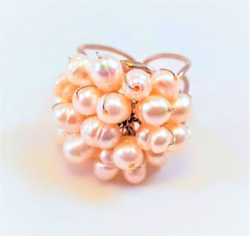 LIZZY PEARL : RING