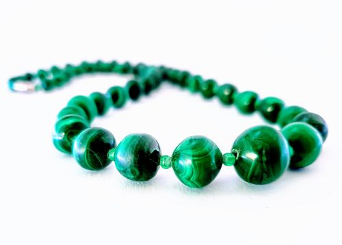 OLUCHI GREEN NECKLACE