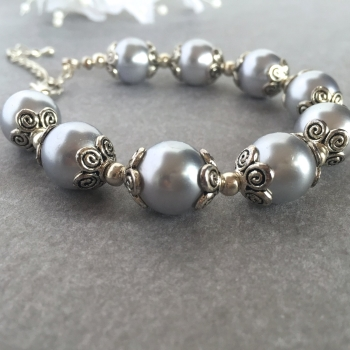 Lilac and Silver Pearl Bracelet