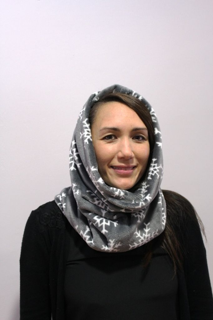 grey snowflake snood