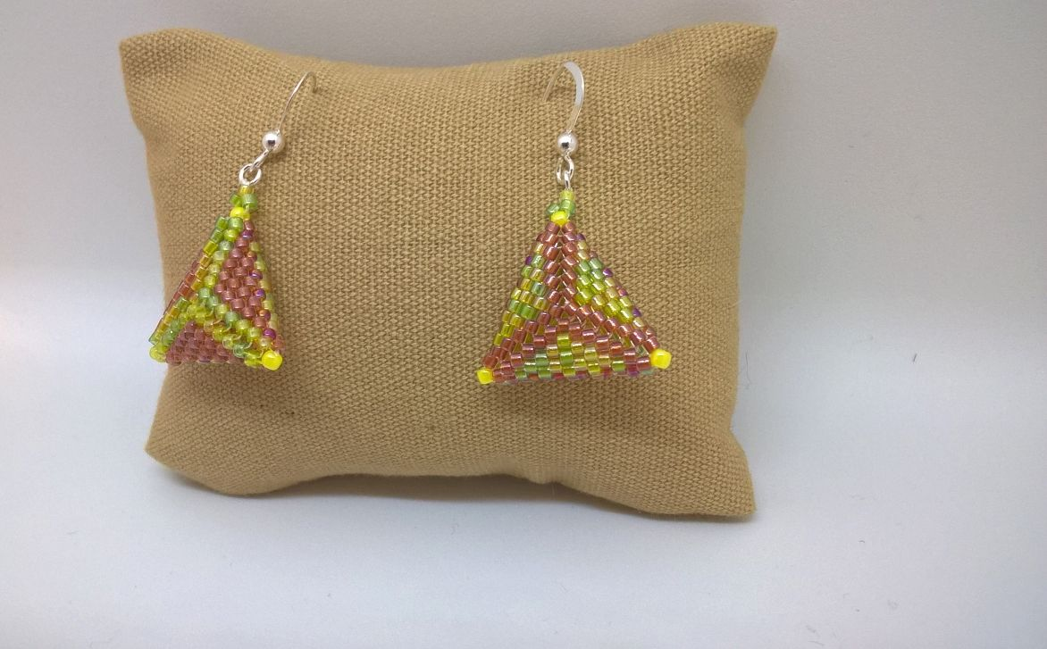 Earrings Peyote Pillow Amber Peridot 2
