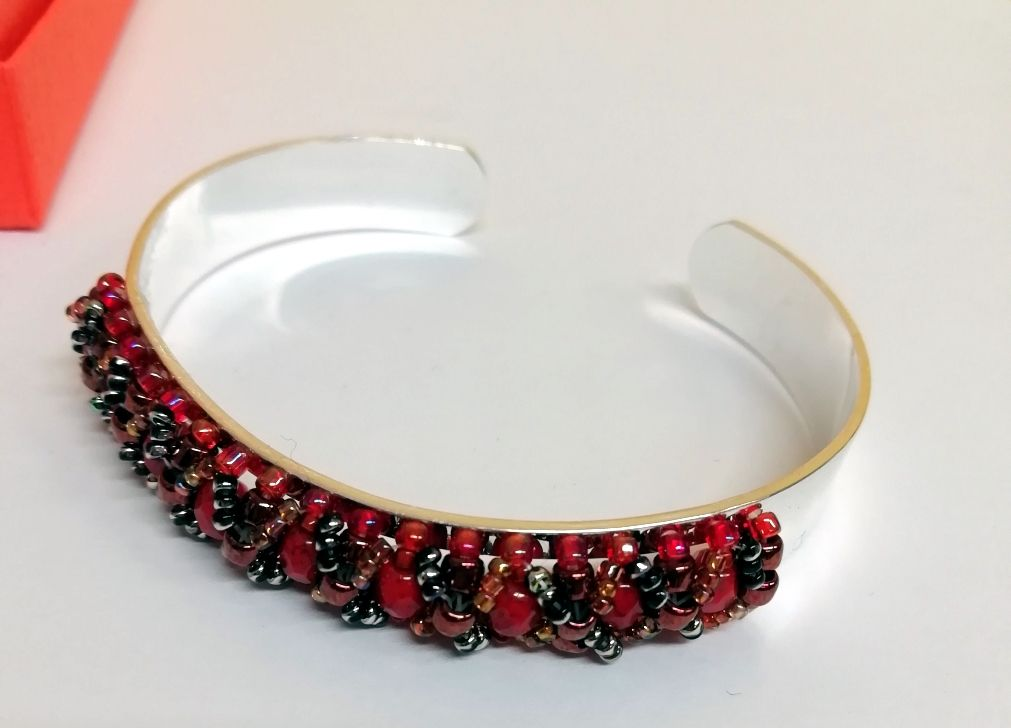 Bangle Centerline cuff bracelet with red Fire polish beads