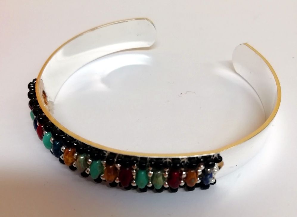 Bangle Centerline cuff with asst superduo beads