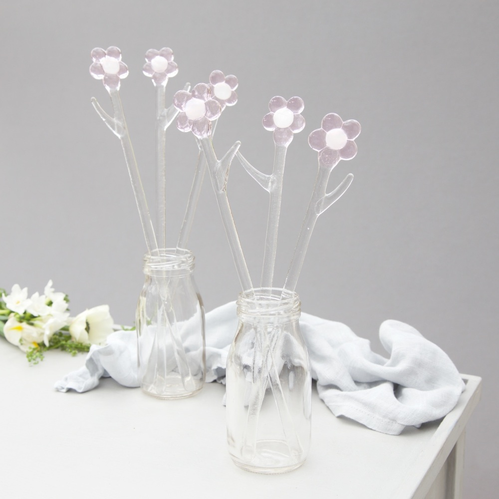 <!--001-->Pink glass flowers