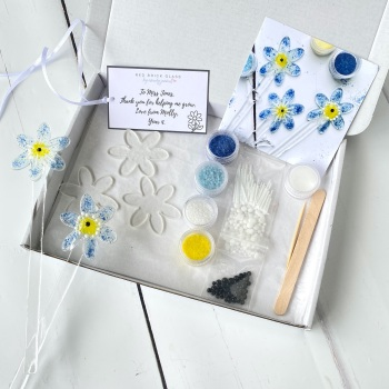 Make at home fused glass kit - Forget-me-nots - End of term teachers gift edition.