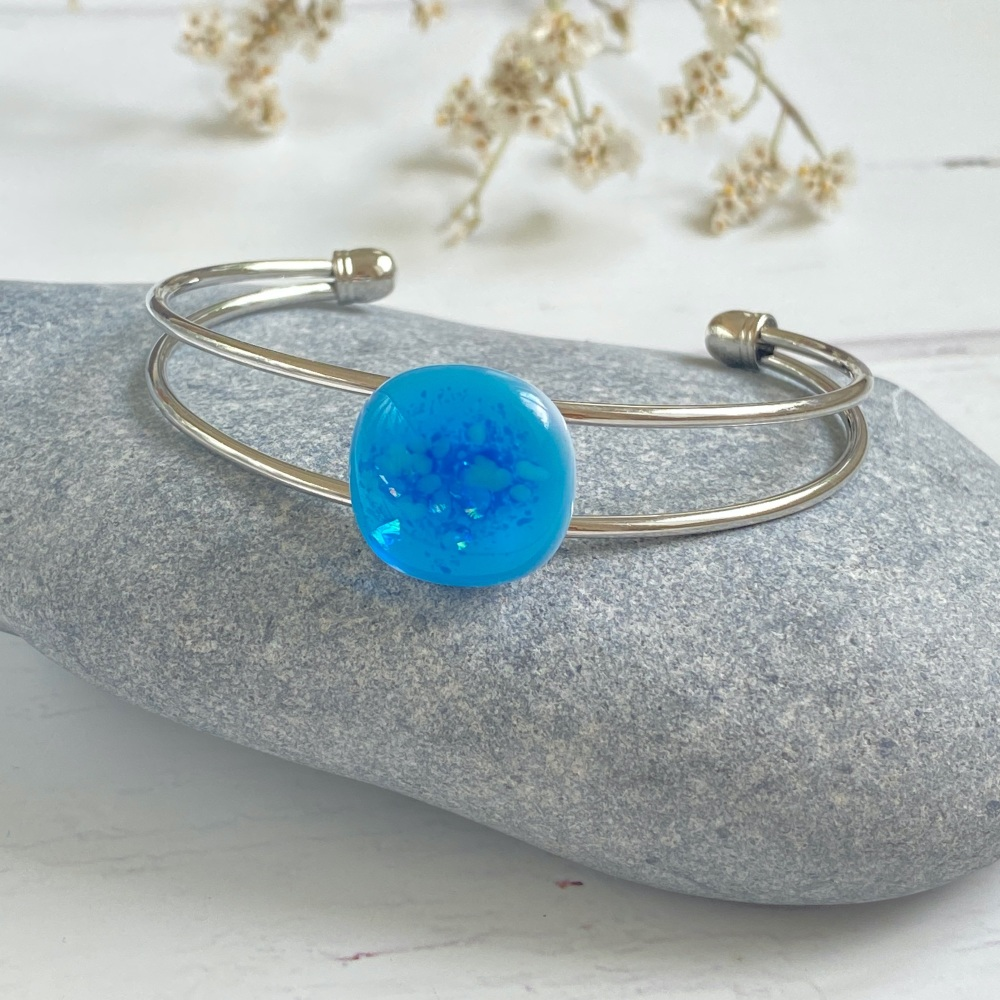 New Product Ocean sparkle bangle, electric blue, silver-plated.