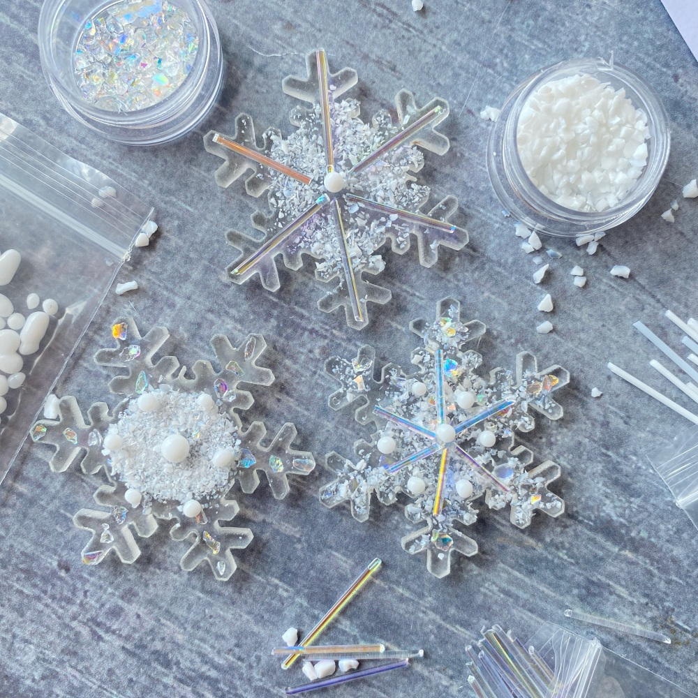 Fused Glass Kit - Snowflakes ( iridescent)