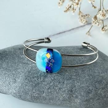 Horizon bangle, mixed blues - silver-plated.