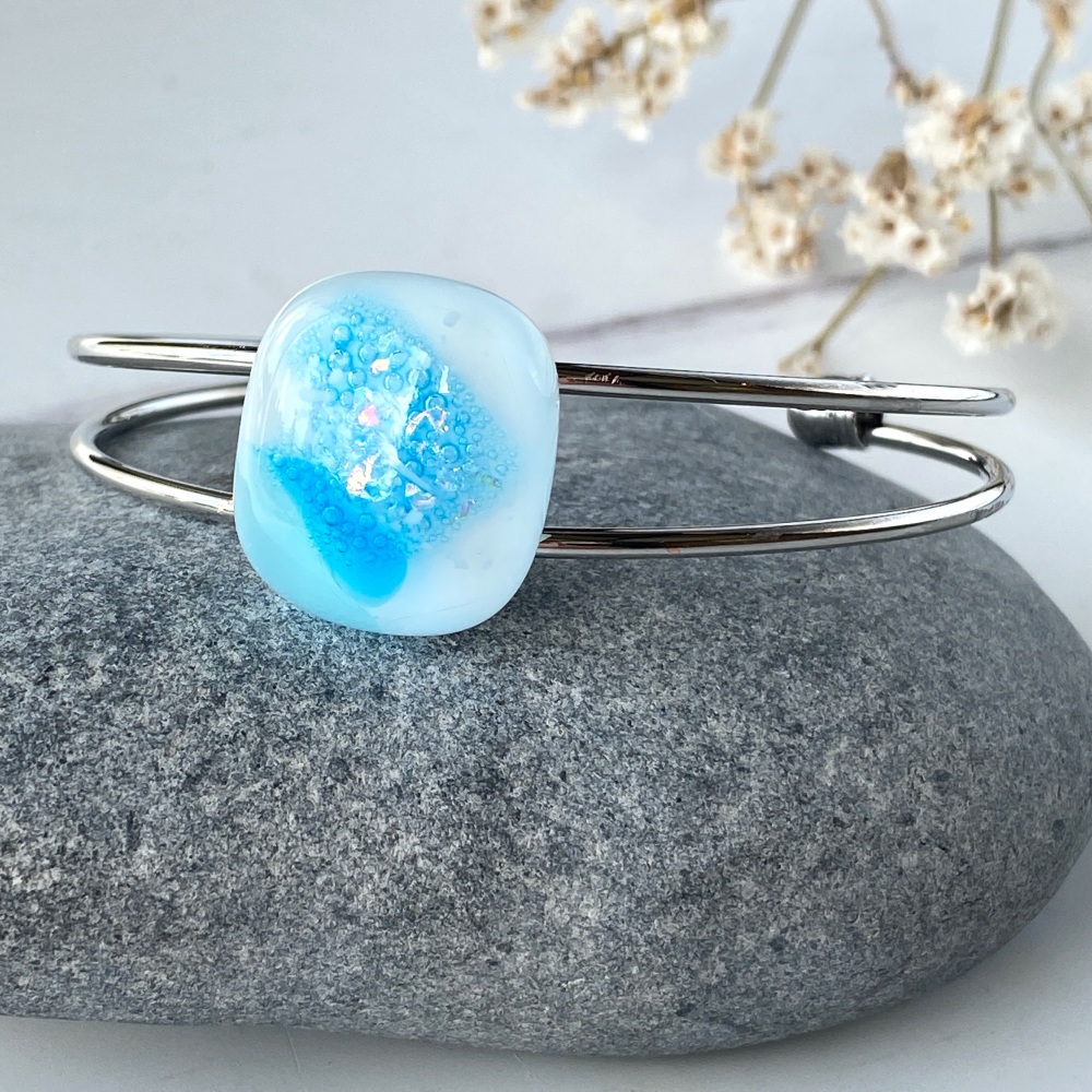 Ocean droplet  bangle, silver-plated.