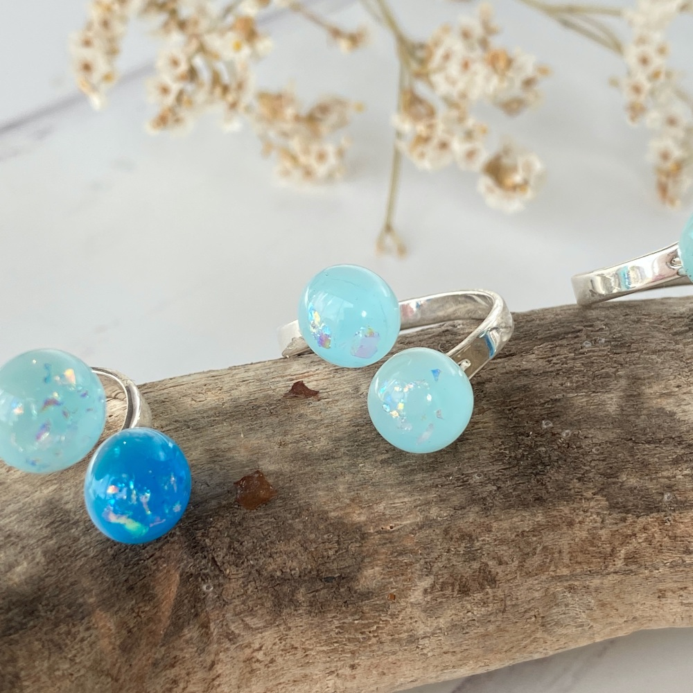 Ocean Blues fused glass ring duo - electric blue with light turquoise