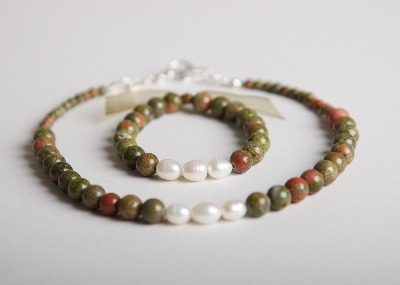 Glamour & Pearls Necklace - Green & Pink Unakite