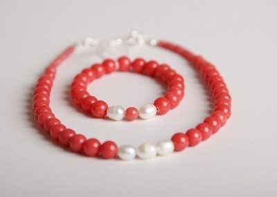 Glamour & Pearls Necklace - Coral Malaysian Jade