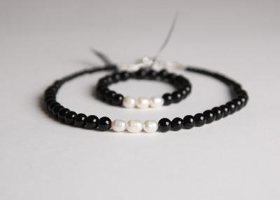 Glamour & Pearls Necklace  - Black Obsidian