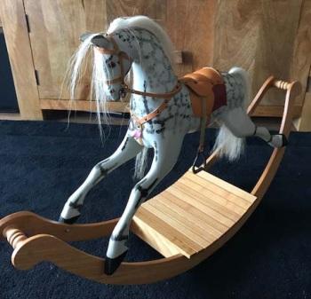 MINIATURE HORSE KAMILA 3