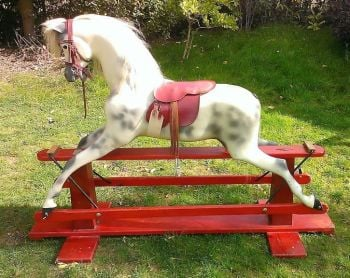 Haddon Large Red Swing Stand Early