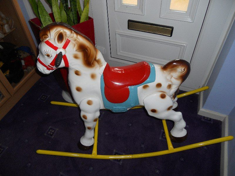 Mobo Metal Bow Rocking Horse