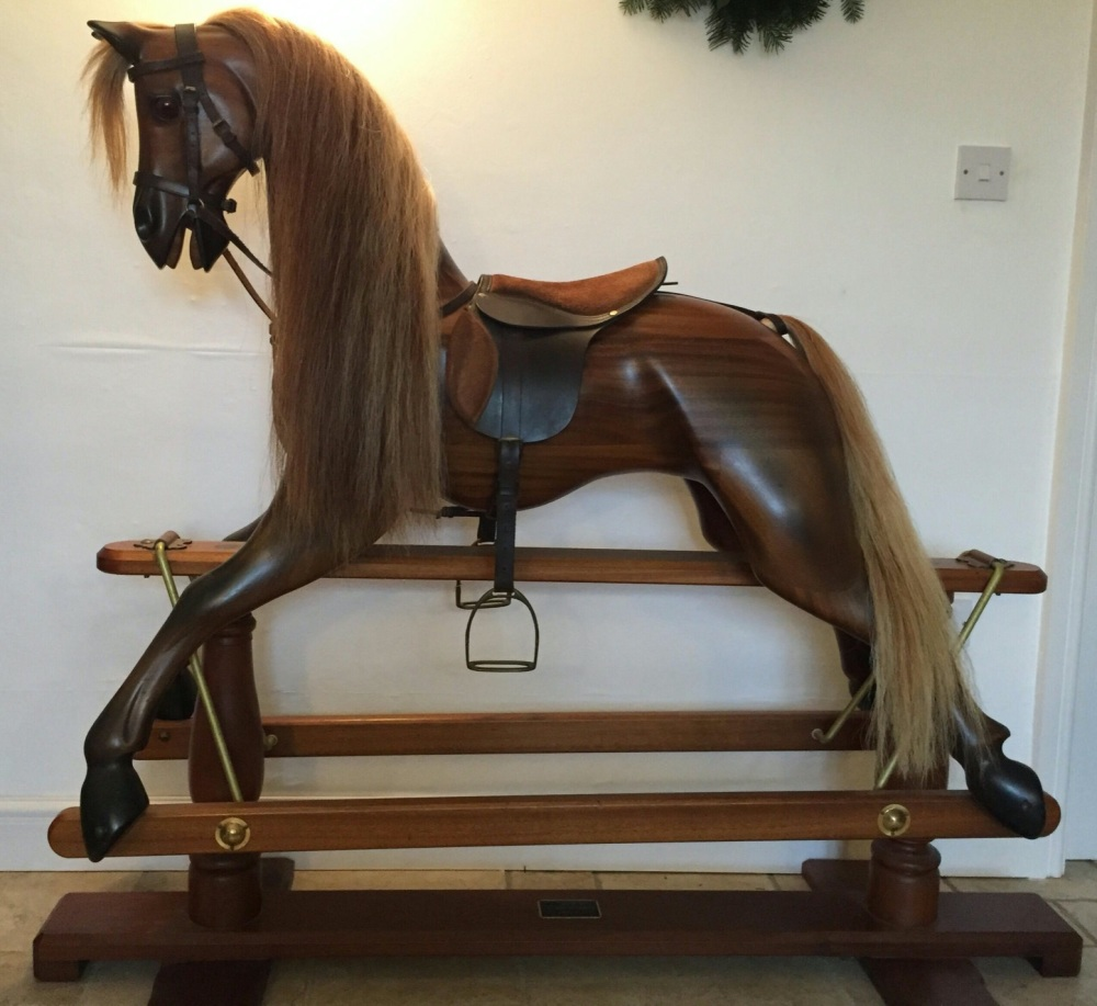 HORSECRAFT Mahogany with Oak Stand by Geoff Martin X-Large 53in