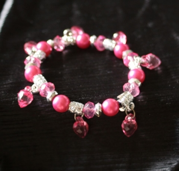 Lovely pale pink elasticated bracelet