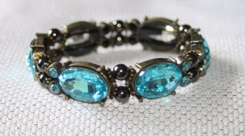 Elasticated magnetic therapy bracelet with turquoise crystals