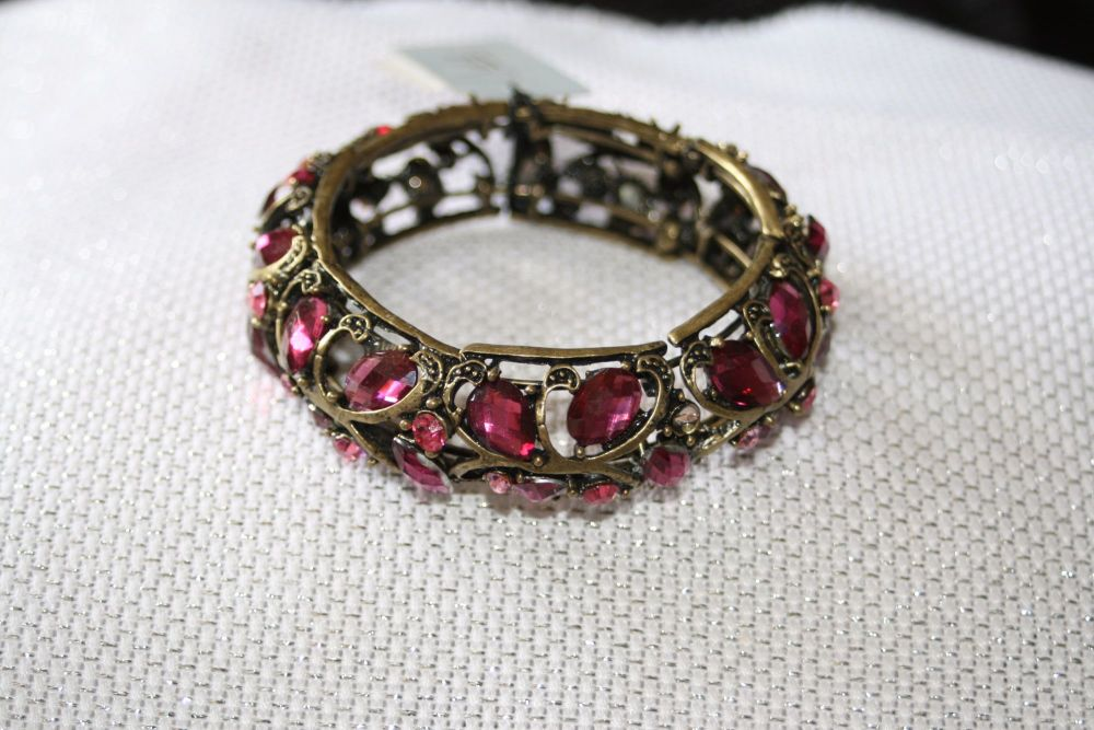 Light purple crystal set aged metal hinged bangle