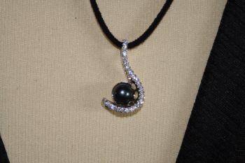 Diamante and Bead Pendant
