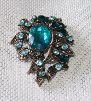Sparkling Brooch with LIGHT BLUE Stones