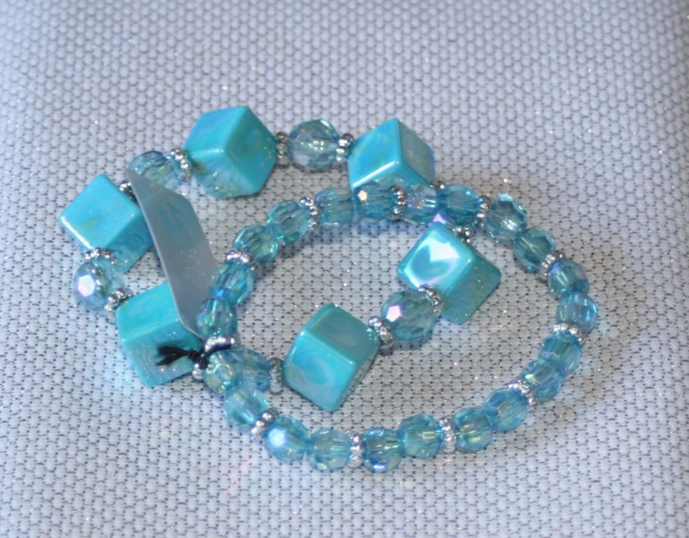 Turquoise Blue Cube and Crystal Bead elasticated bracelet