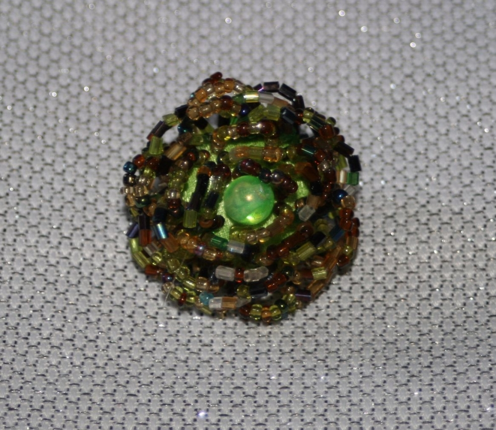 Costume Ring - beaded, hand made, GREEN