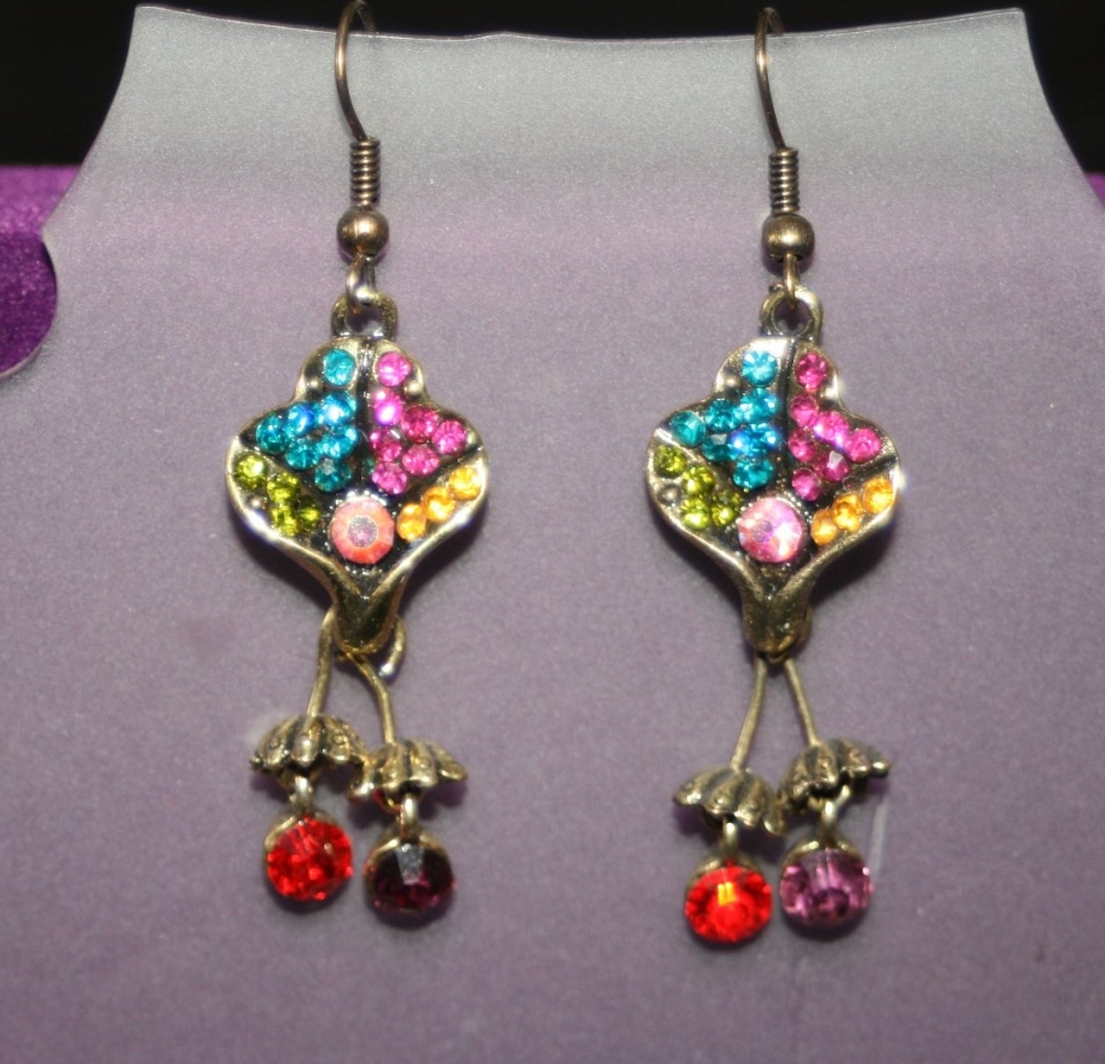 Indian Inspired Dangling Earrings - CLUB SHAPE