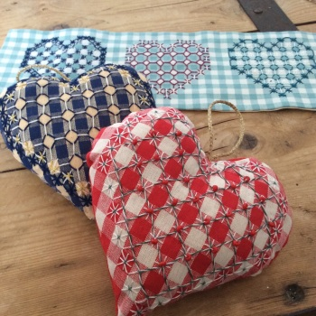 Creative hand embroidery - Chickenscratch hearts Thursday 31st August 2017 10am to 1pm