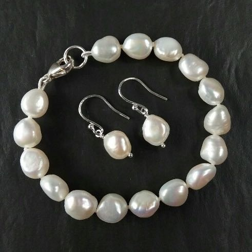 Freshwater pearl bracelet and drop earrings - Monday 8th May 10am to 2:30pm