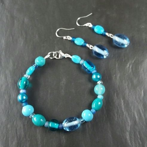 Glass bead bracelet and drop earrings - Monday 5th June 10am to 2:30pm (Dit