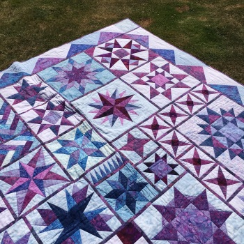 * NEW * Patchwork & Quilting - Star Quilt