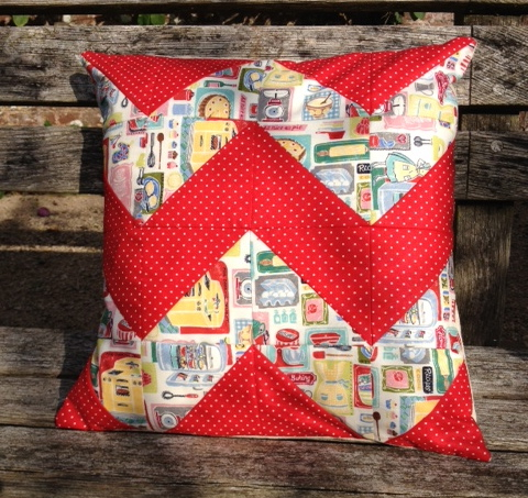 Patchwork & Quilting - An Introduction -  Chevron Cushion