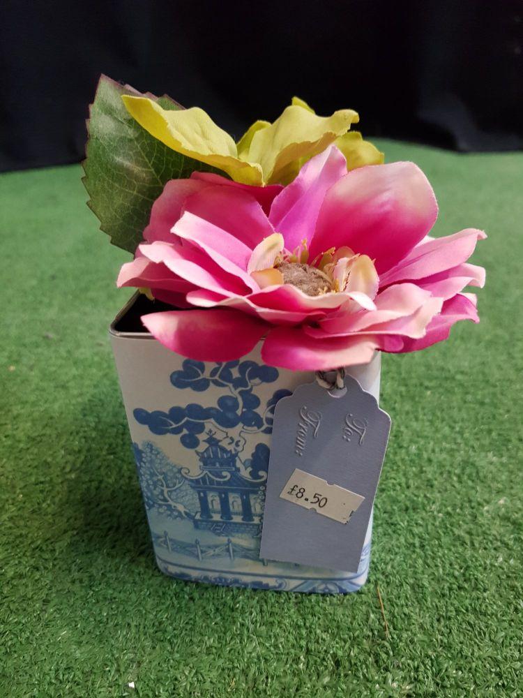 Pink flower tin