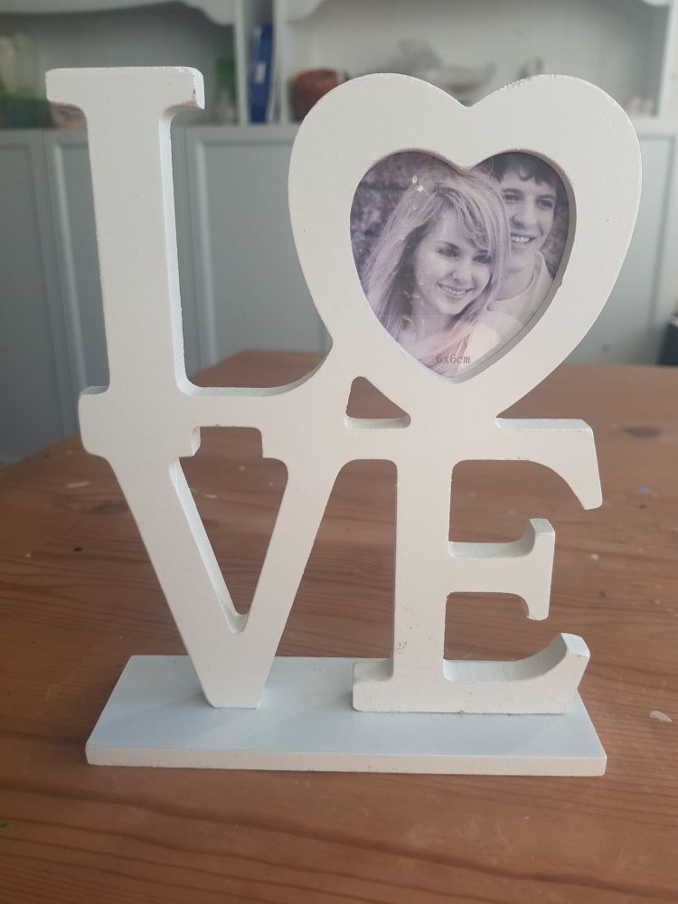 Love decorative frame.