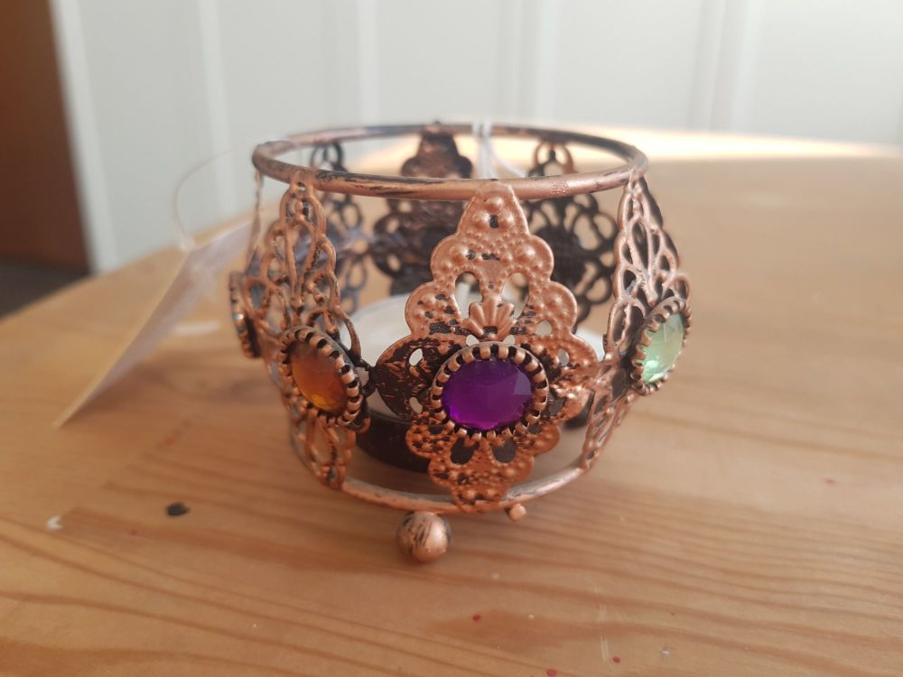 Tealight holder with gems