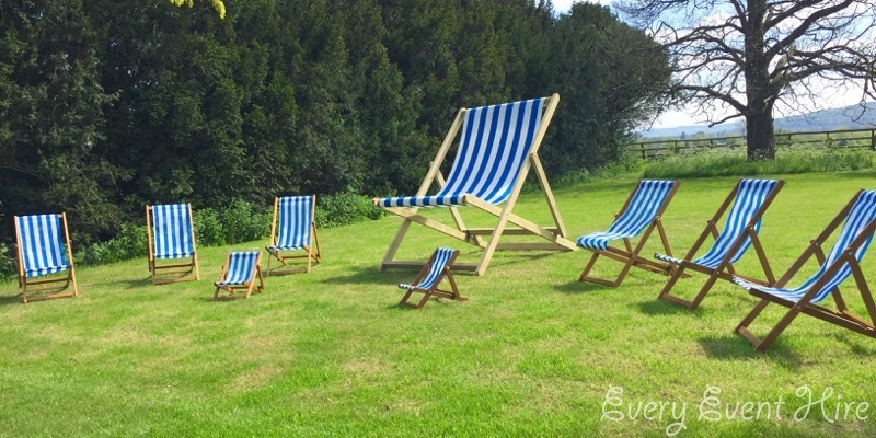 Mixed Sizes of Deckchairs