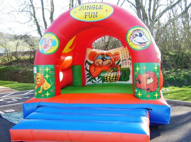 jungle bouncy castle hire gloucester
