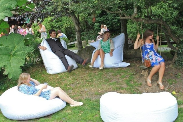 bean bags white wedding 1